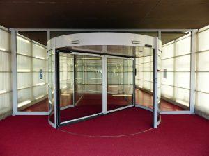 דלתות זכוכית אוטומטיות