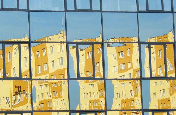 עיצוב בזכוכית